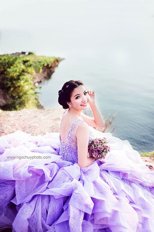Váy cưới màu tím đẹp