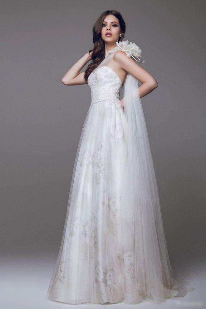 Váy cưới lung linh cho màu da vàng tươi sáng