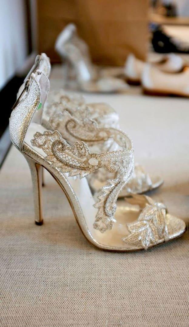 giày cưới ren trắng hoa văn đẹp