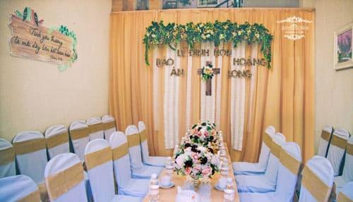 Lễ đính hôn trang trí đẹp mắt theo phong cách Rustic