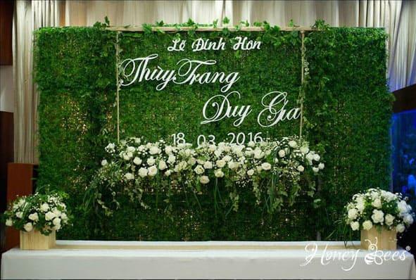 tên cô dâu chú rể được xem là điểm nhấn trong lễ đính hôn