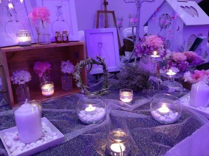 Trang trí phòng cưới đẹp ấm áp với nến