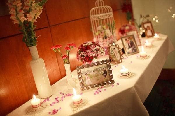 Phòng tân hôn chứa đầy hình ảnh kỷ niệm