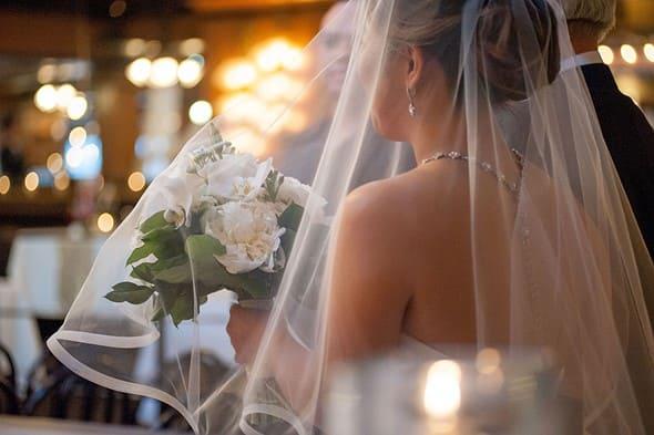 Đêm tân hôn, chồng hứa giữ cho tôi sự trong trắng để còn lấy người khác
