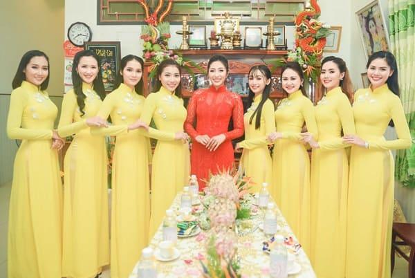Áo dài cưới màu đỏ đẹp nhất của mỹ nhân showbiz Việt